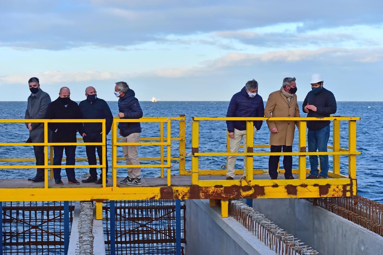 Provincia busca aceitar convenios con la AGP para nuevas obras en el puerto de Madryn