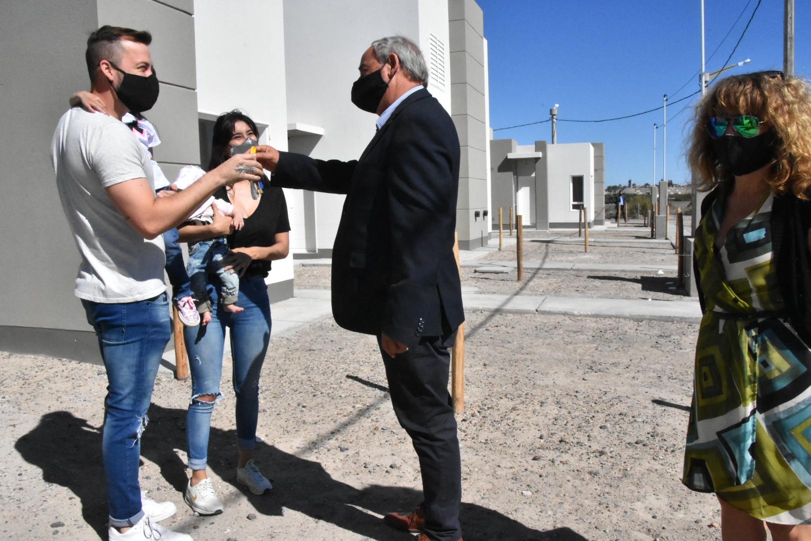 Otras dieciocho familias de Trelew recibieron sus viviendas