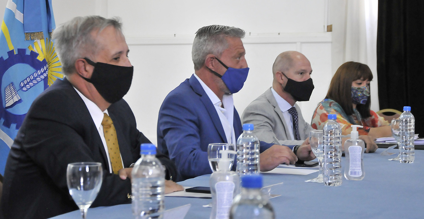 Arcioni presidió la primer reunión de gabinete 2021 con agenda en los próximos tres meses