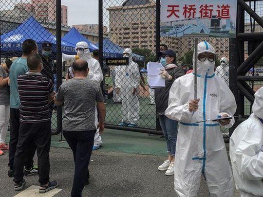 Alarma: Hay 18 millones de personas confinadas en China por un gran rebrote del virus