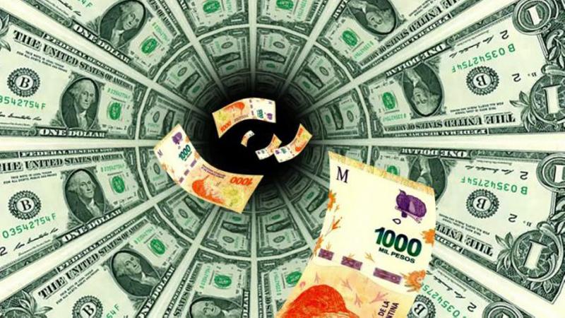 Economistas afirman que enero y febrero serán una prueba de fuego para el dólar y la economía argentina