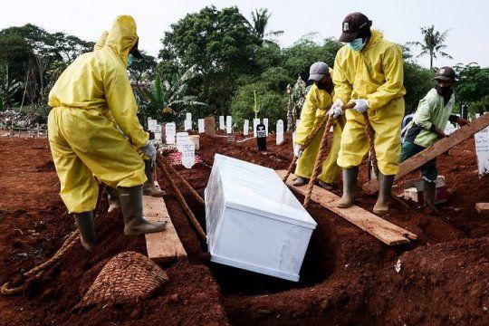 'No es joda': El mundo superó las dos millones de muertes por coronavirus