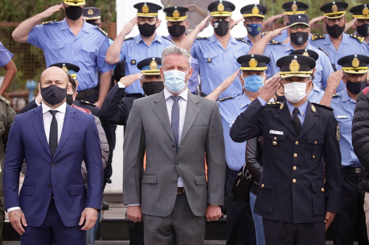 El Gobernador puso en funciones a 297 agentes de la Policía del Chubut