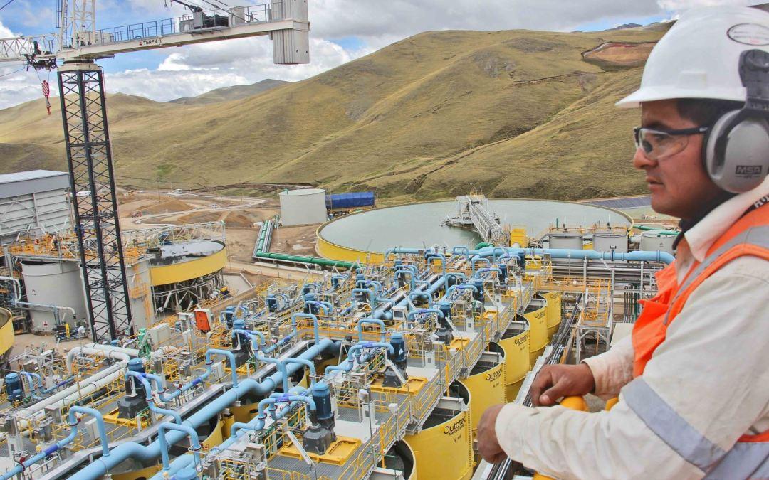 Afirman que por inversión industrial y minera, San Juan pudo acordar un aumento del 50% para los docentes