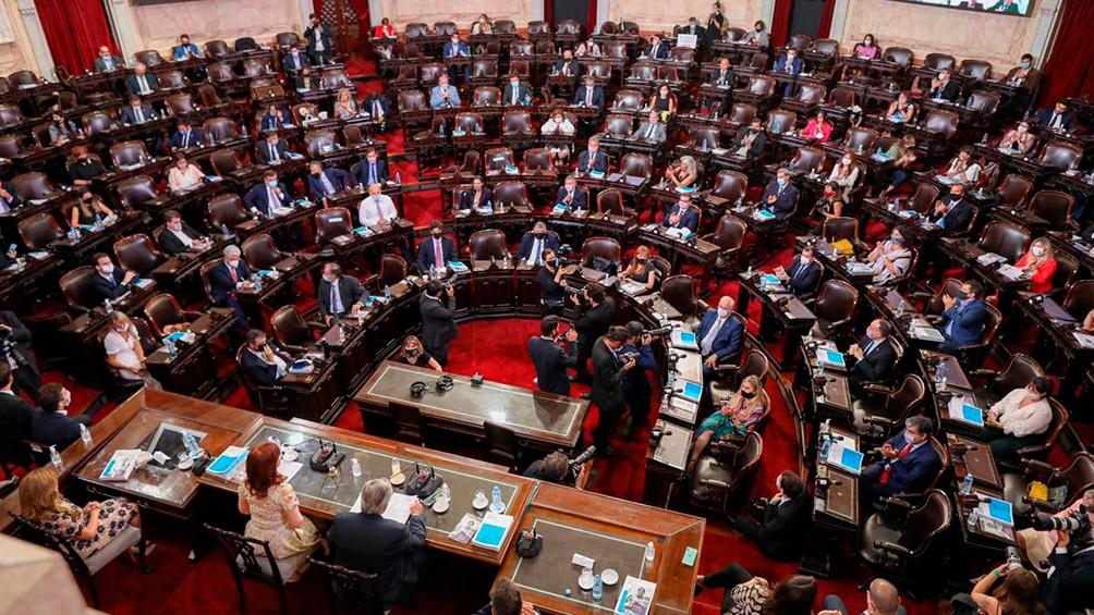 Alberto y lo que dejó el discurso: Una «querella criminal» y una batería de proyectos de ley