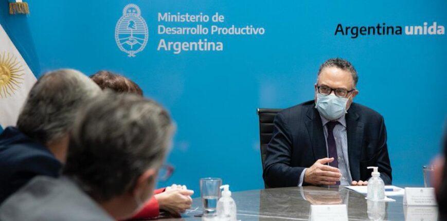 La UIA pidió vacunar al sector, para poder garantizar el abastecimiento del país