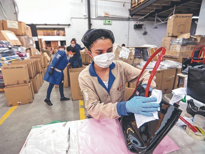Restricciones laborales: La segunda ola amenaza la producción manufacturera que viene en alza