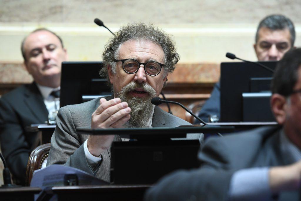 Créditos inaccesibles: Luenzo empuja legislación que recupere el rol del sistema financiero
