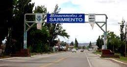 124 años de Sarmiento: Arcioni presidió el acto y firmó convenios por viviendas y red de gas