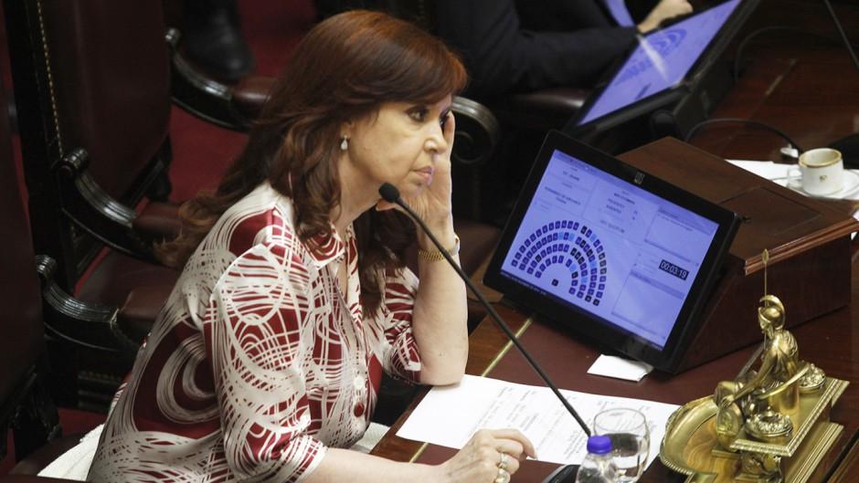 Elecciones 2021: Cristina arriesga una parte de su núcleo duro para sostener el quórum en el Senado