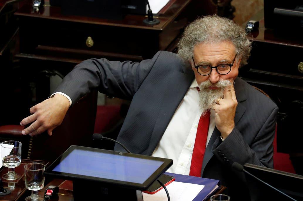 Luenzo, ¿otra víctima de la política privatizada?