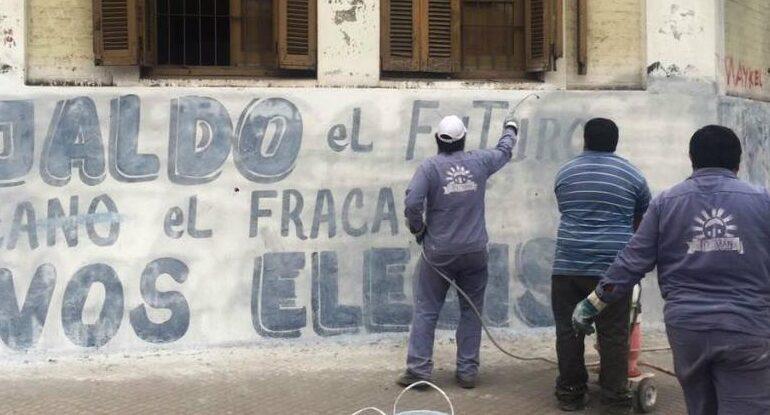 Presentan un proyecto de ley para que los partidos limpien sus pintadas tras las elecciones