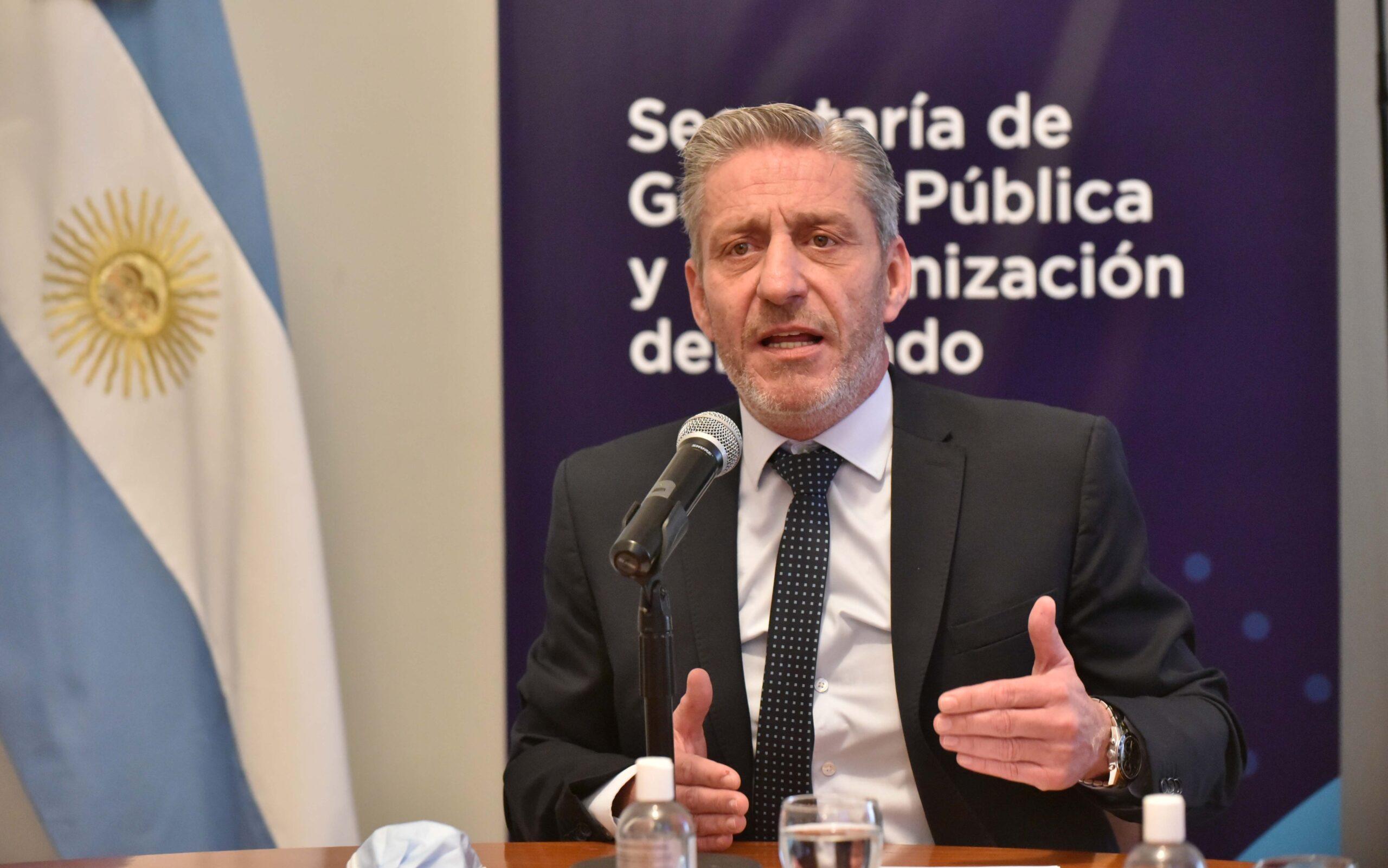 Arcioni 'refrescó' las memorias sobre la situación provincial asumida, y pidió «madurez política»