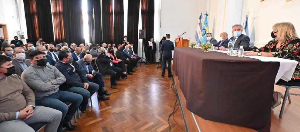 Chubut presentó el Proyecto de Reparación Histórica por los puntos cedidos de coparticipación