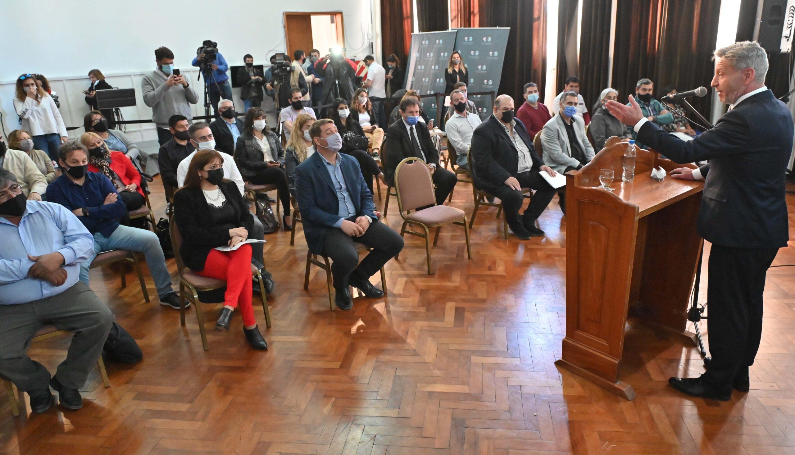 """Presentaron el Programa de Turismo Social, Educativo y Deportivo """"Conociendo Chubut"""""""