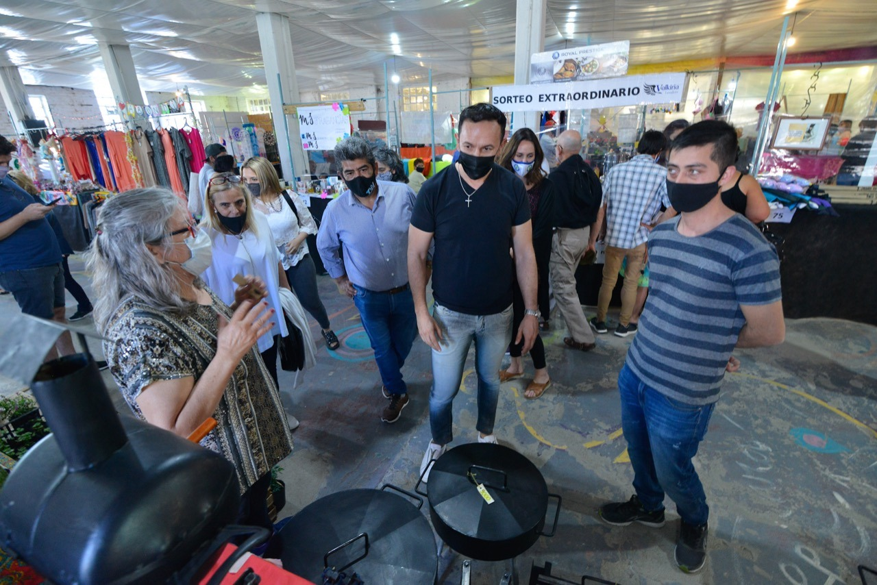 Trelew: Maderna recorrió la Feria en la Rural que contó con más de 90 expositores